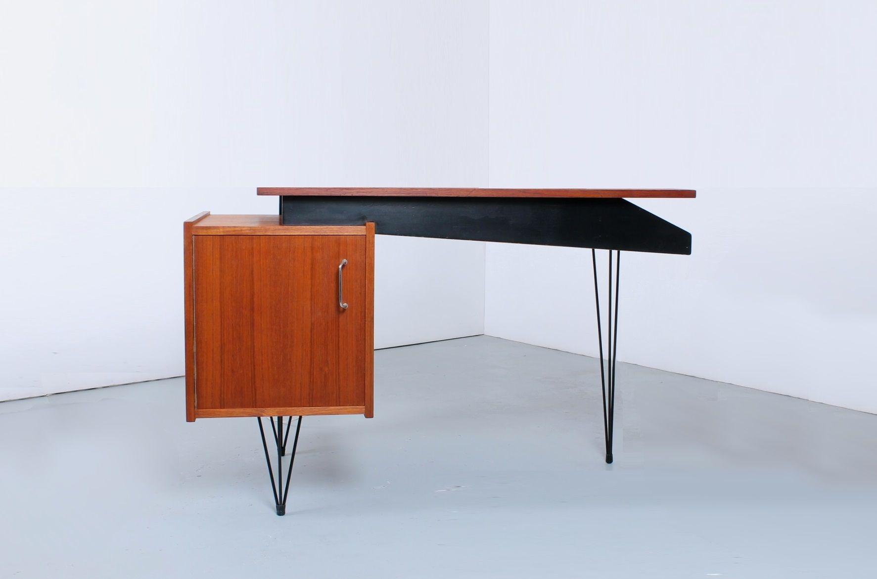 Niederländischer Teak Furnier Schreibtisch mit Hairpinbeinen von ...