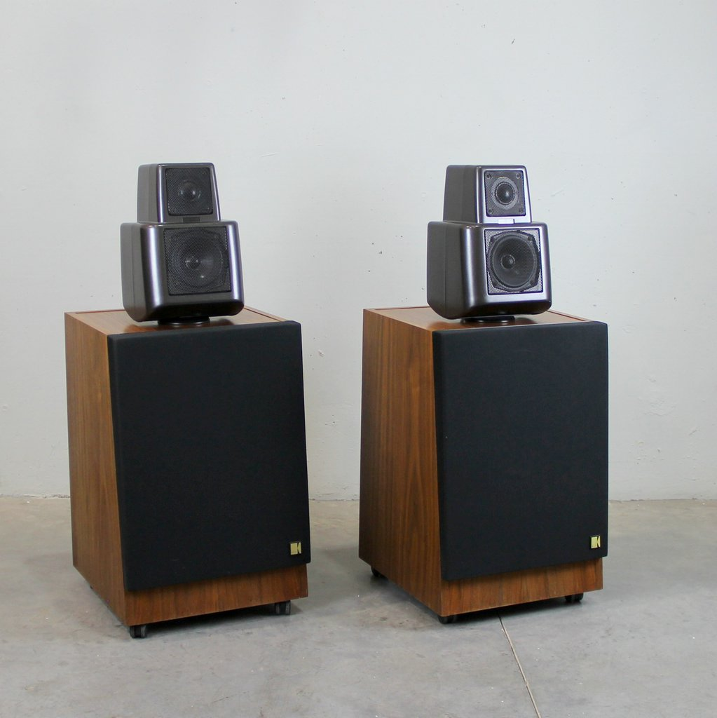 105 2 High Fidelity Speakers From Kef Set Of 2 For Sale