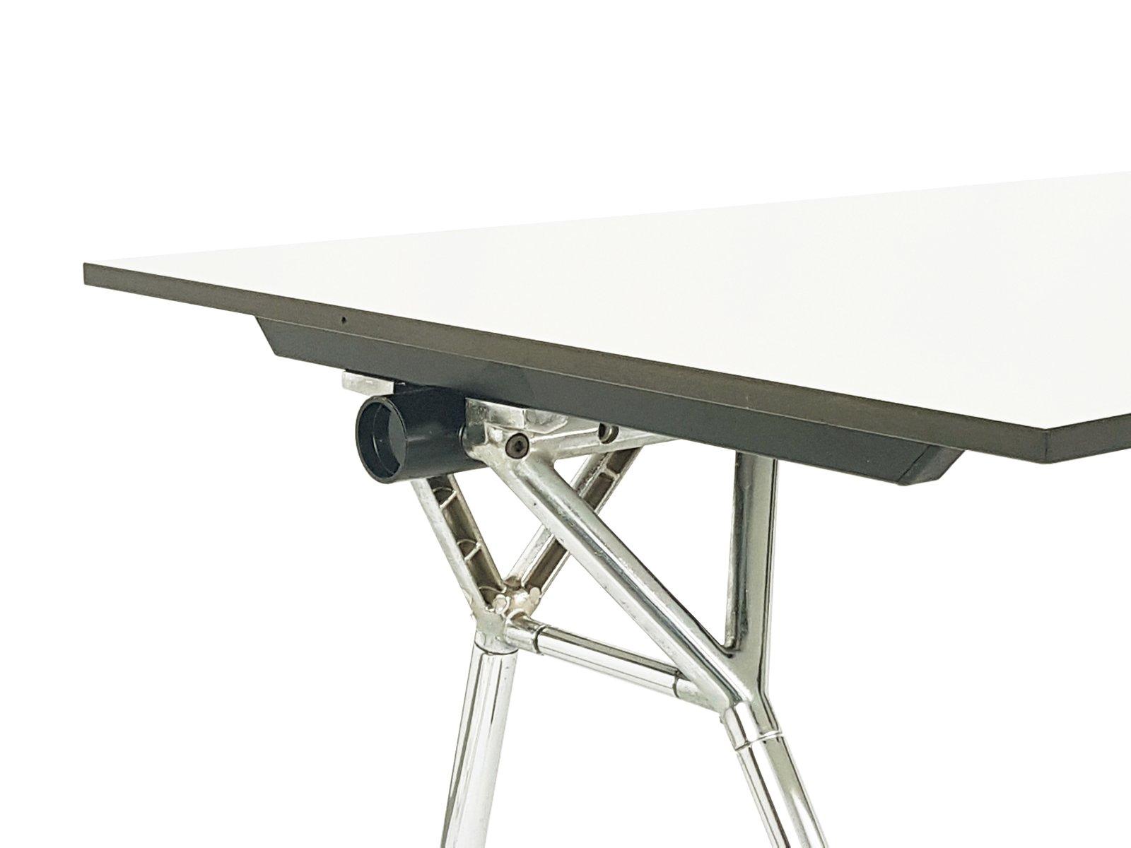 nomos schreibtisch aus verchromtem metall wei laminiertem kunststoff von norman foster f r. Black Bedroom Furniture Sets. Home Design Ideas