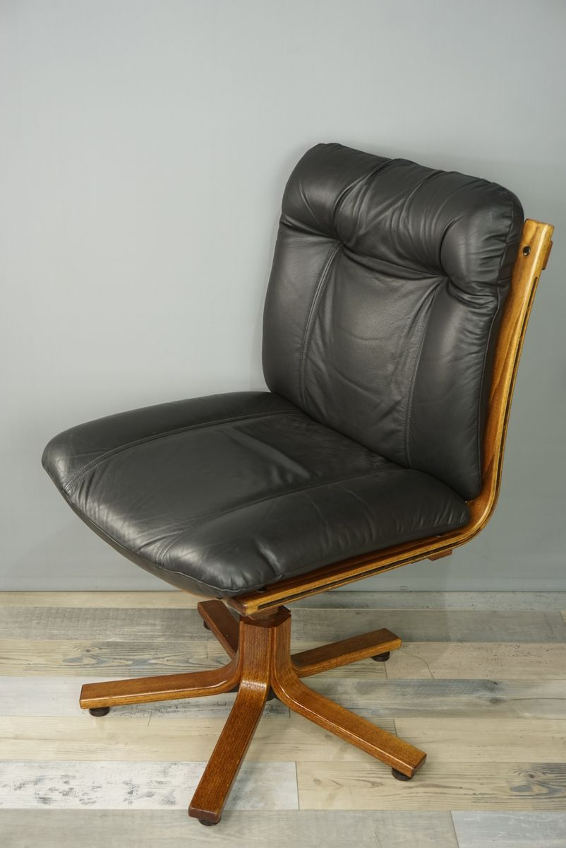 leather and wood swivel office chair 1970s for sale at pamono. Black Bedroom Furniture Sets. Home Design Ideas