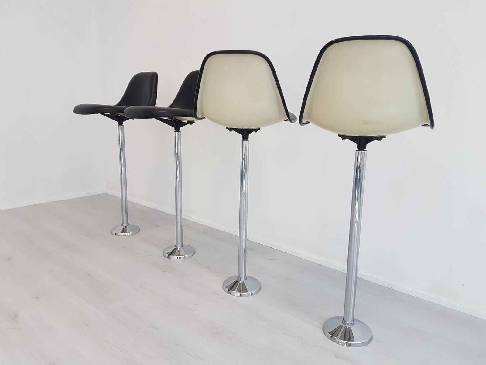 vintage barhocker von charles ray eames f r vitra. Black Bedroom Furniture Sets. Home Design Ideas