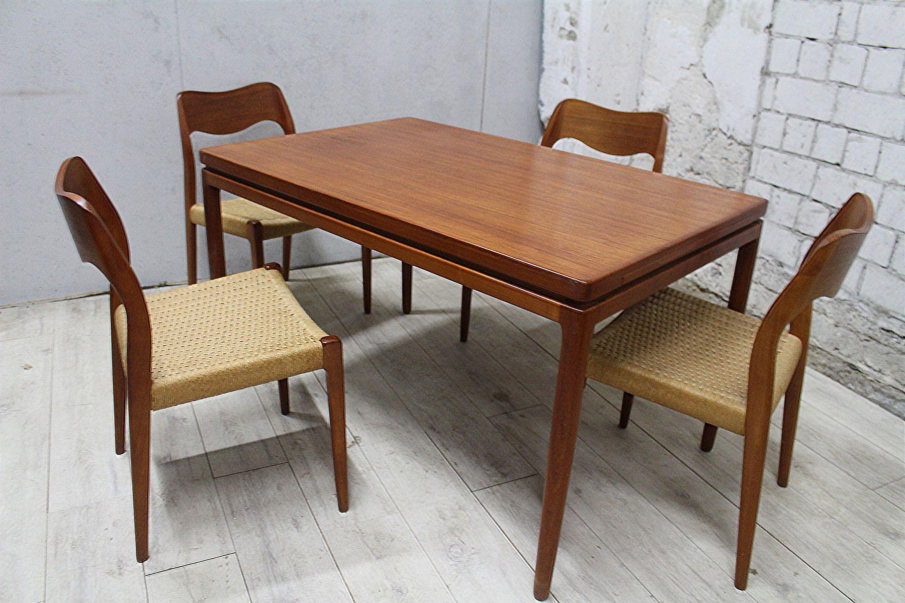 Table Pour Salle À Manger chaises avec table de salle à manger no. 71 par n.o. møller pour j.l.  møllers, set de 4