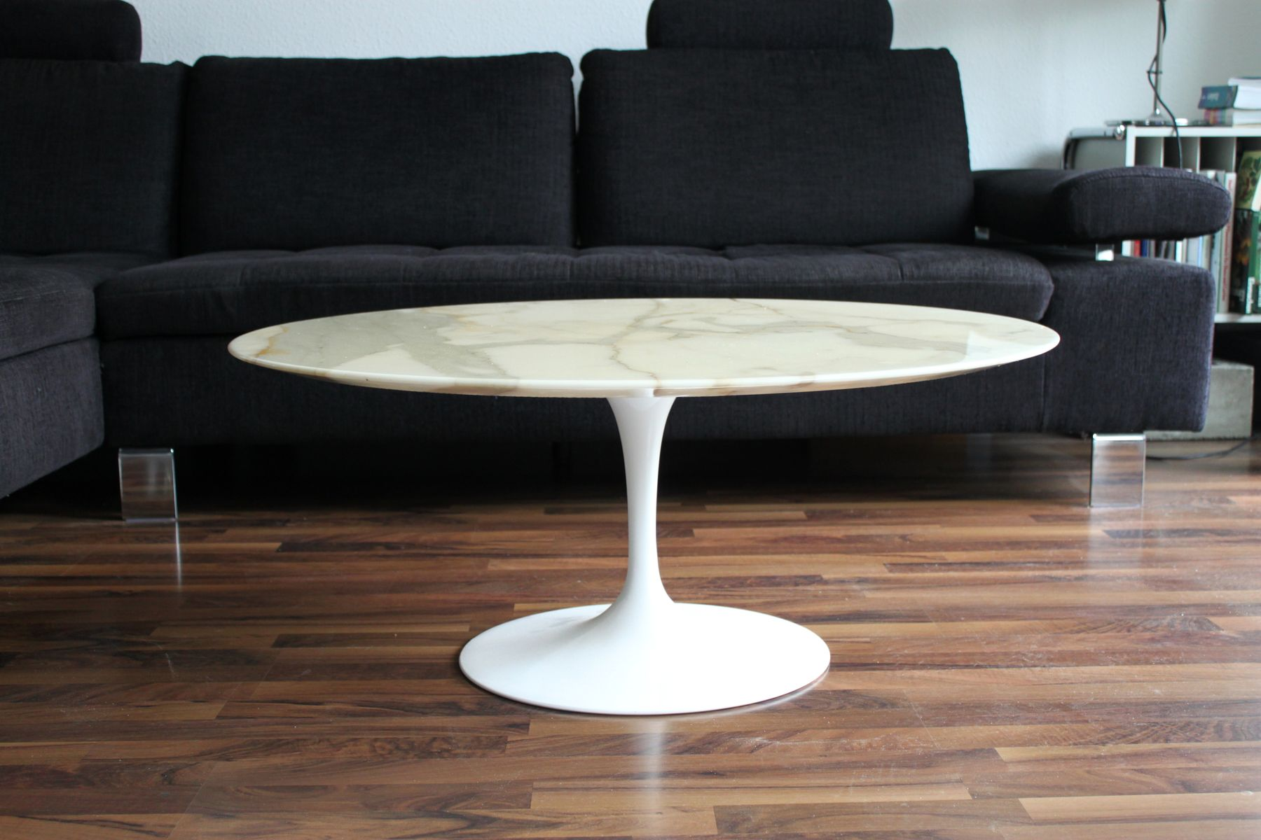 Delightful Mid Century Tulip Marble Coffee Table By Eero Saarinen For Knoll  International