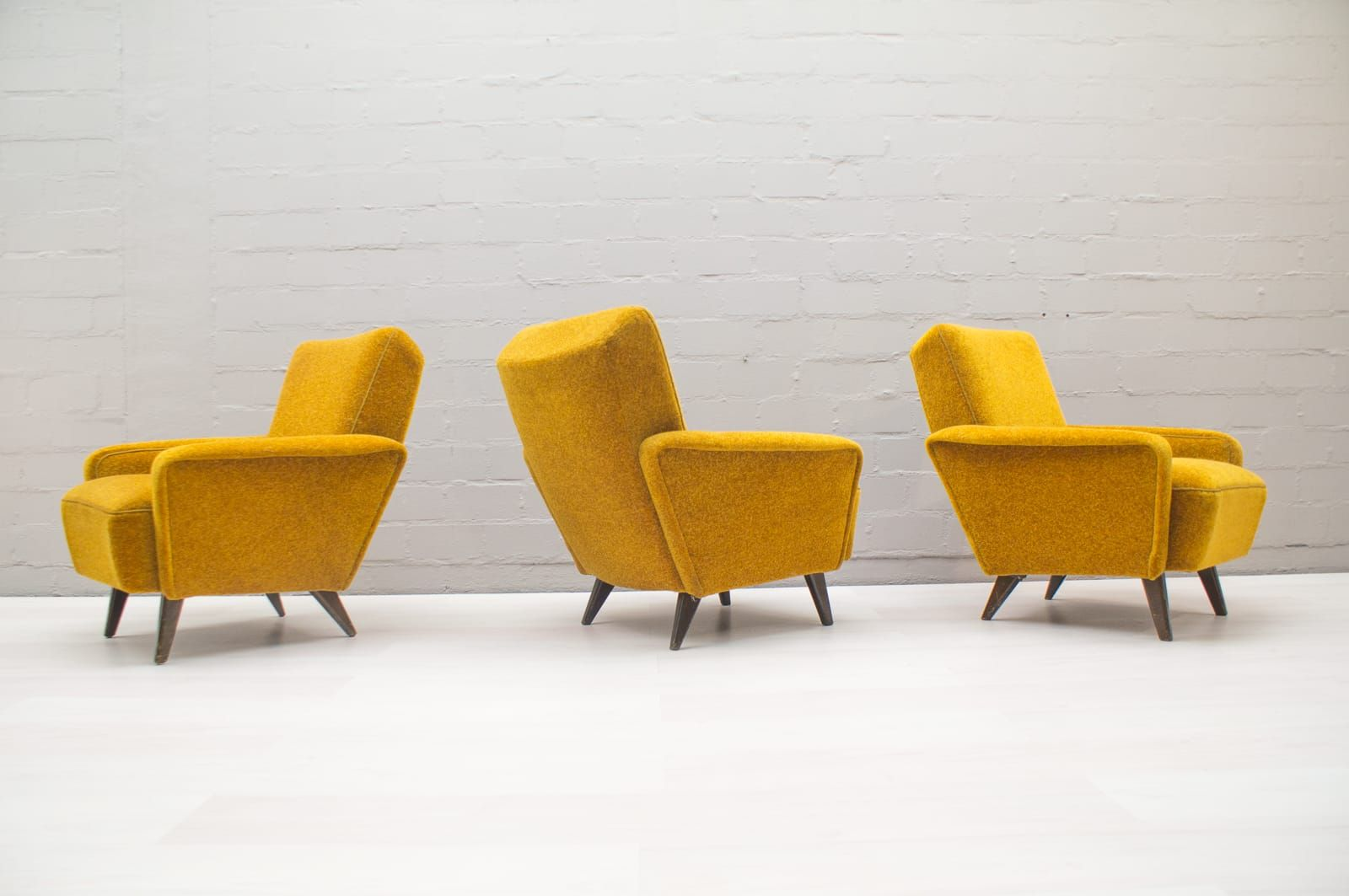 Italian Mid-Century Living Room Set in Yellow for sale at Pamono