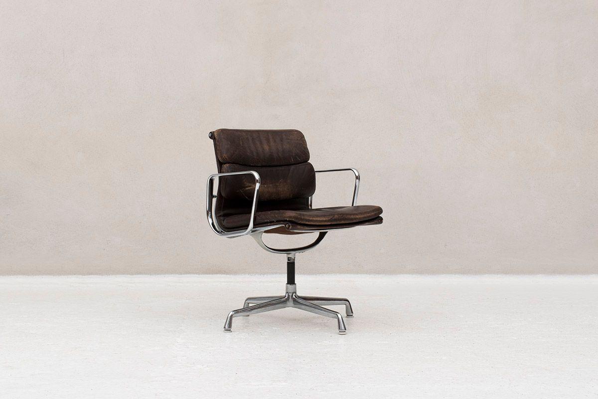 schreibtischstuhl von charles ray eames f r vitra. Black Bedroom Furniture Sets. Home Design Ideas