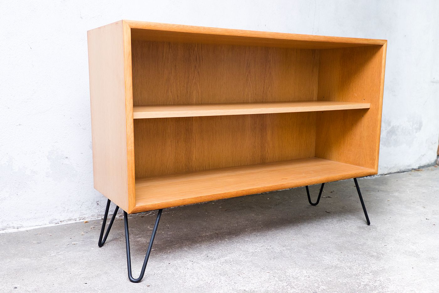 mid century german oak shelves from wk m bel 1960s for. Black Bedroom Furniture Sets. Home Design Ideas