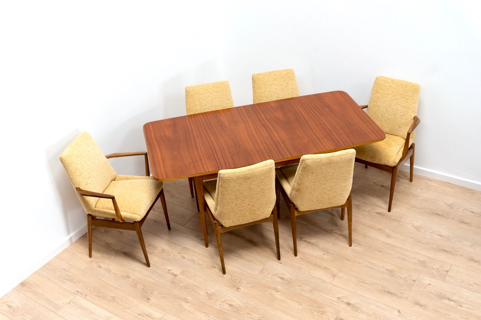 Mid Century Hamilton Dining Room Set By Robert Heritage For Archie
