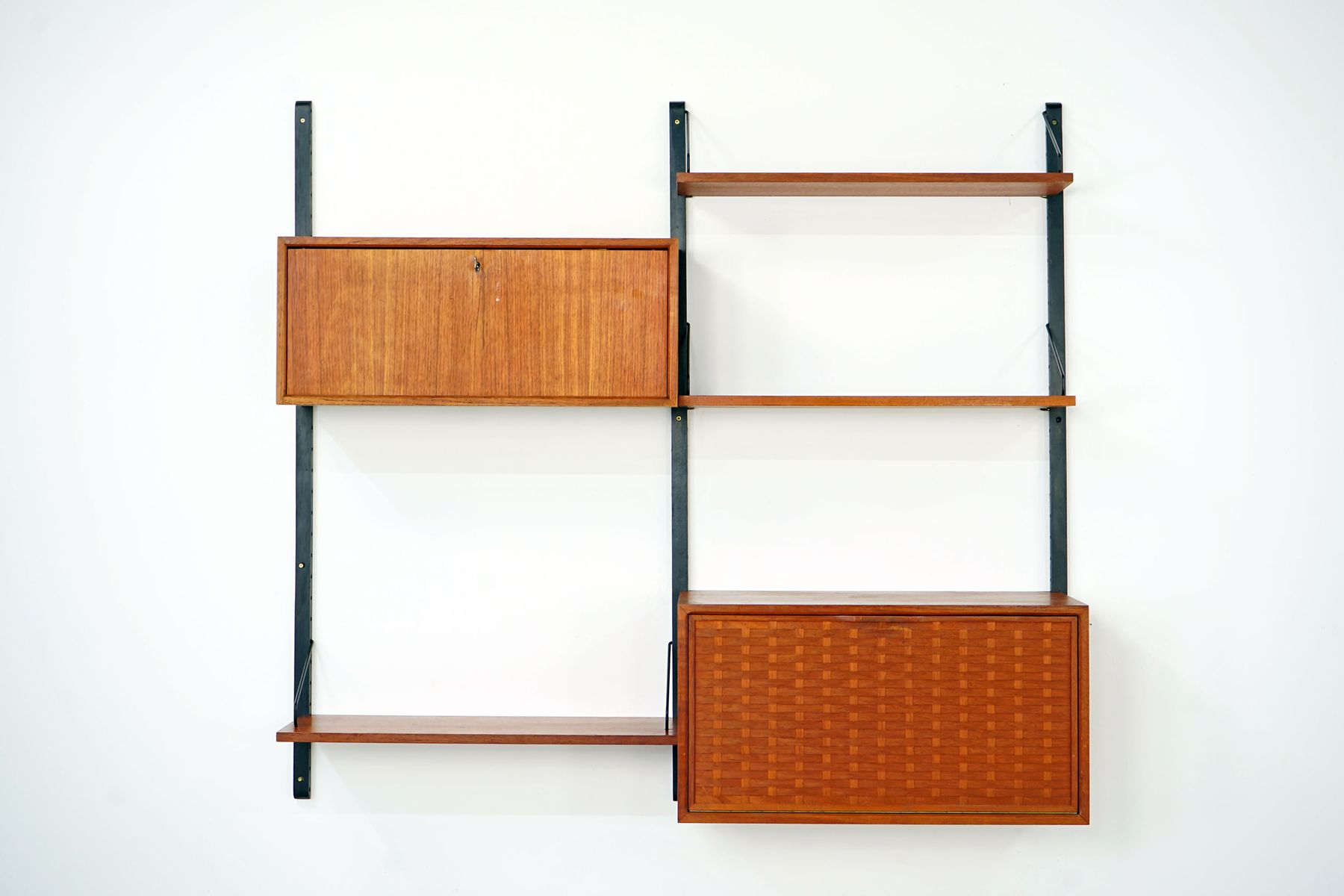 Modular Royal System Wall Unit By Poul Cadovius For Cado,