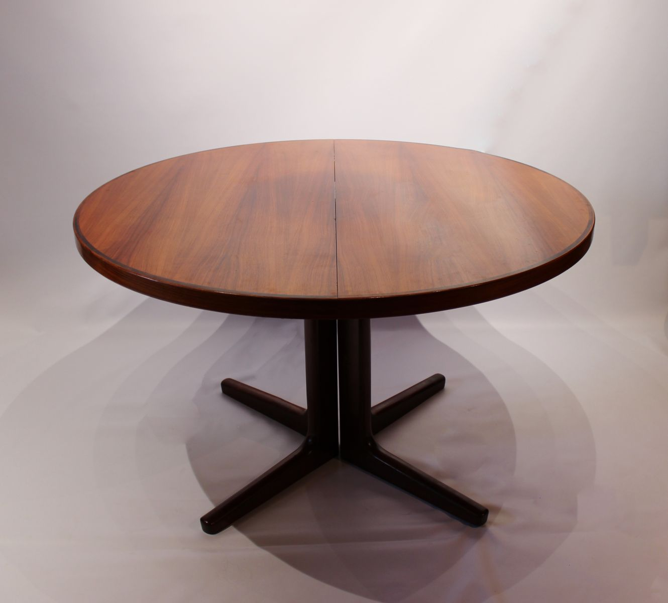 Danish Rosewood Round Dining Table With 2 Extensions From Vejle  Mobelfabrik, 1960s