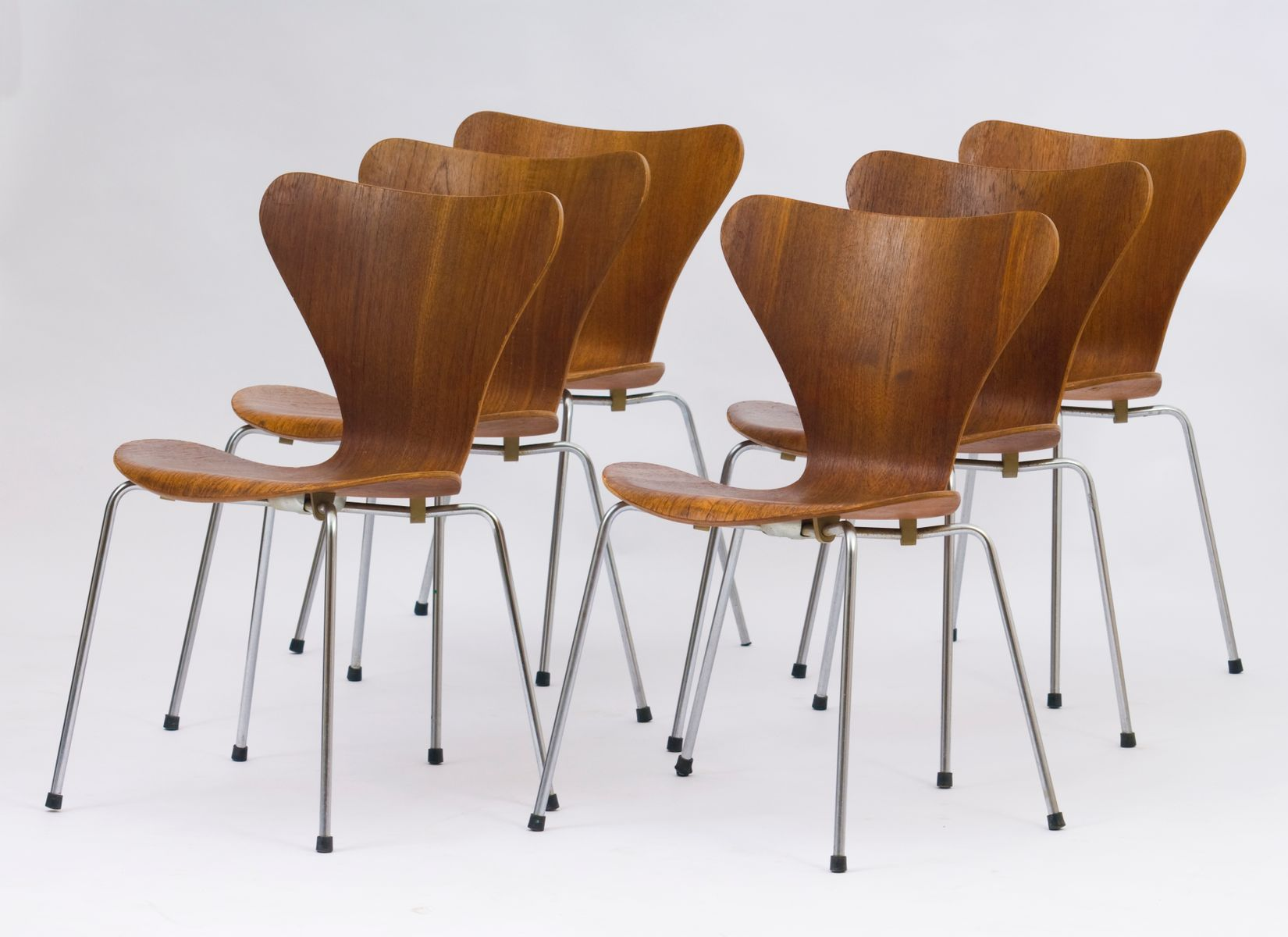 Vintage Series 7 Chairs By Arne Jacobsen For Fritz Hansen,