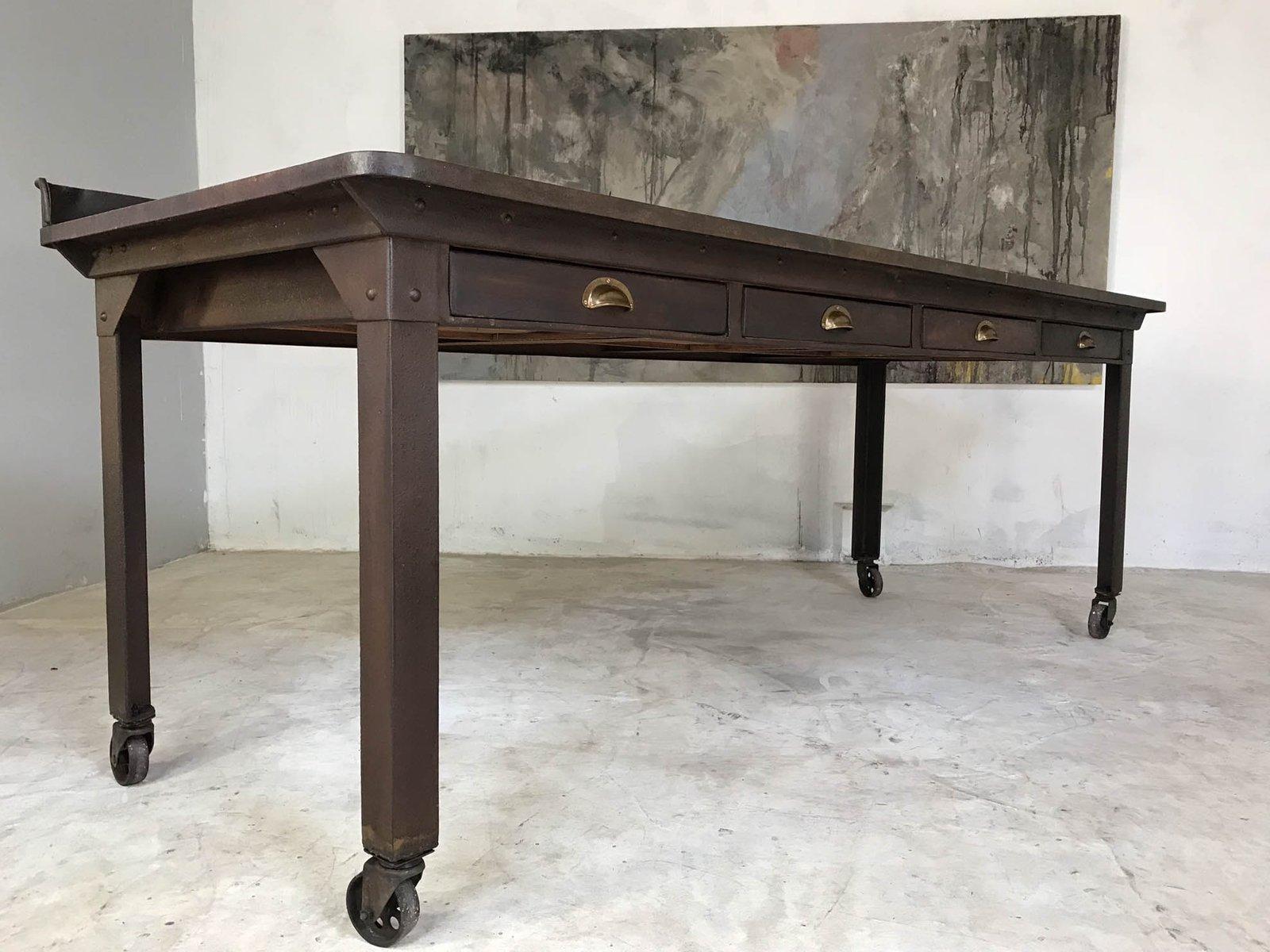 Tavolo Da Lavoro Antico : Tavolo da lavoro antico industriale in acciaio in vendita su pamono