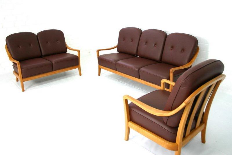 d nische vintage sessel und sofa von komfort bei pamono. Black Bedroom Furniture Sets. Home Design Ideas
