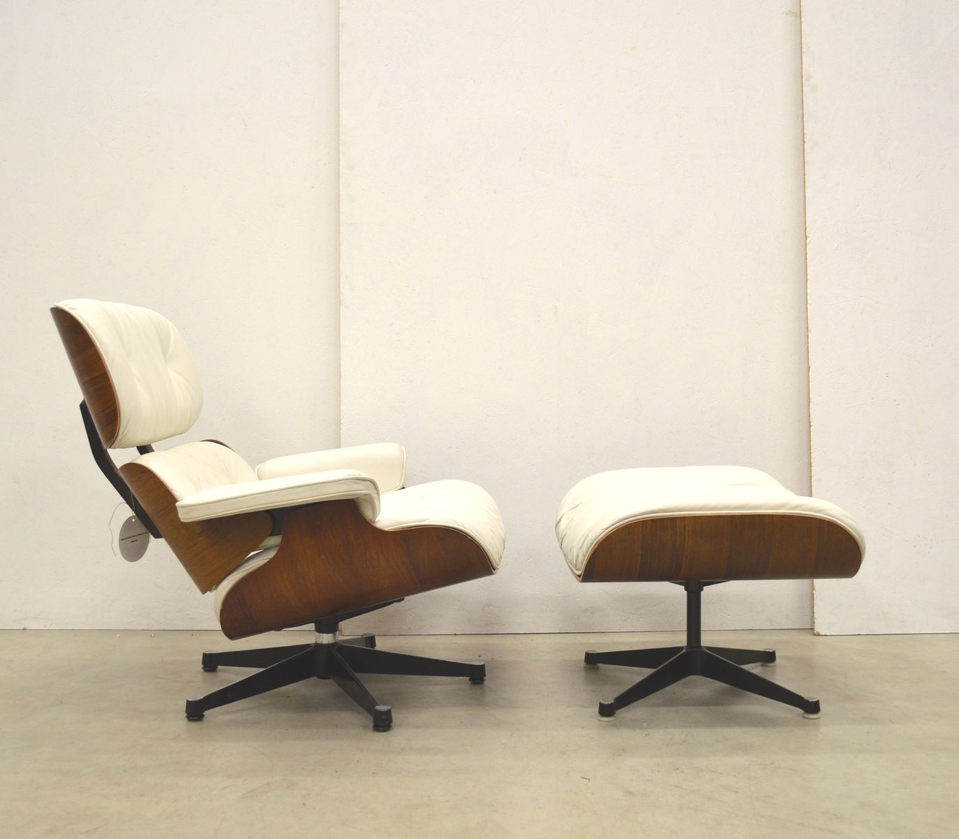 Lounge Chair Amp Ottoman By Ray Amp Charles Eames For Herman