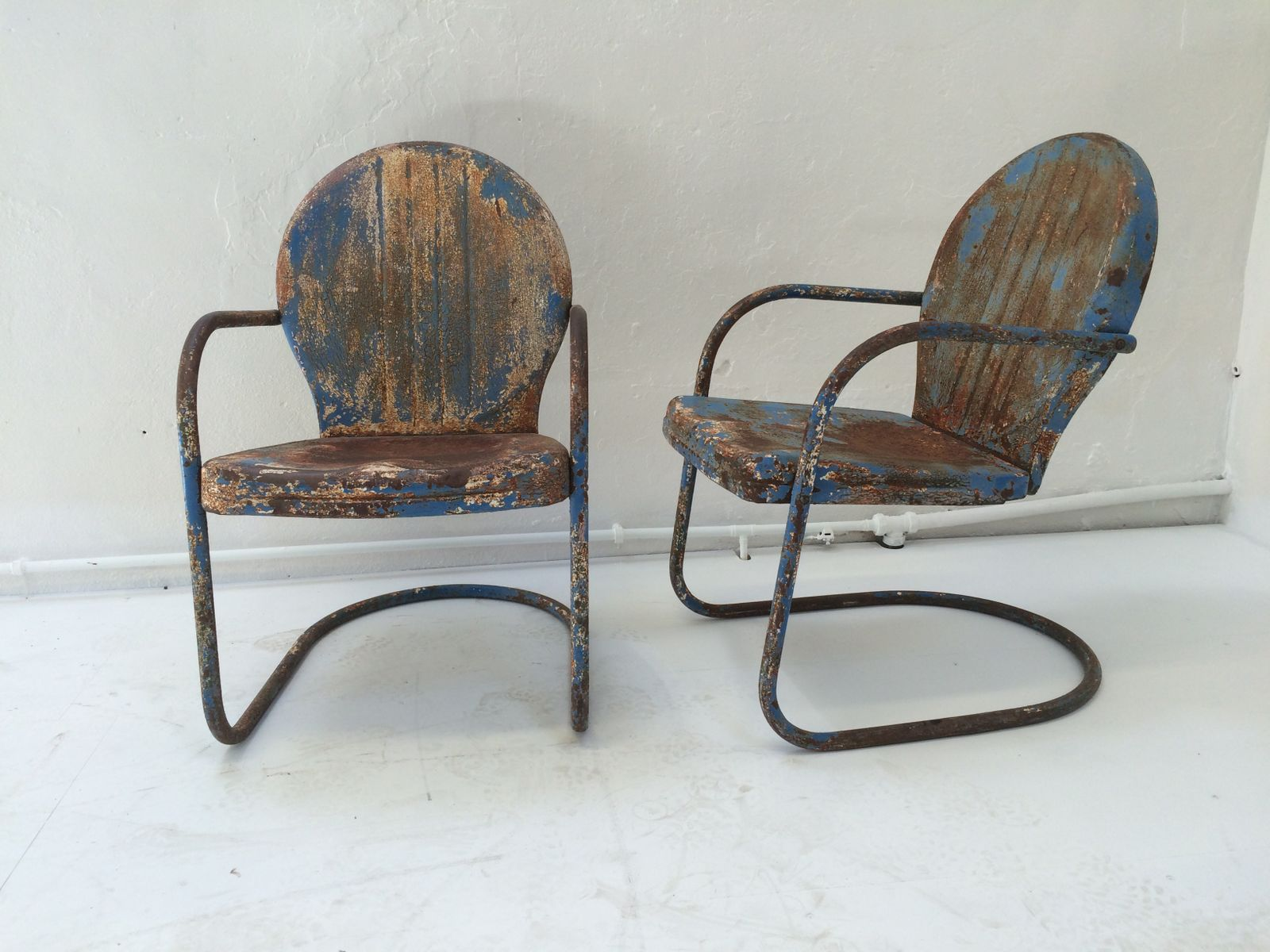 Mid Century American Clam Shell Patio Chairs, 1950s, Set Of 2 For Sale At  Pamono