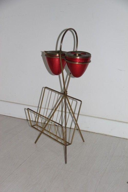 magazinst nder aus messing und lackiertem metall mit zigarettenascher 1950er bei pamono kaufen. Black Bedroom Furniture Sets. Home Design Ideas