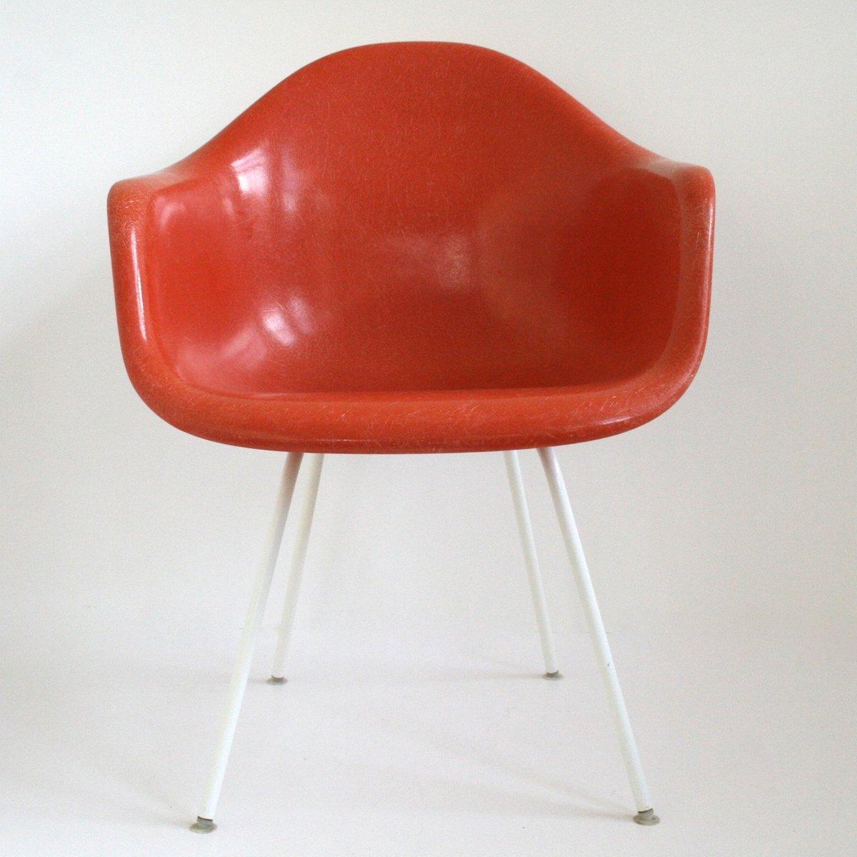 Eames Chair Vitra Prezzo. la chaise eames and ray designed in f ...