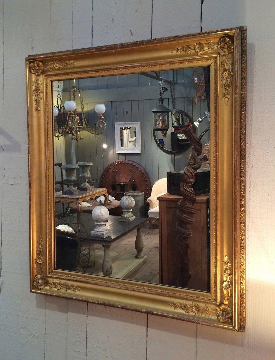 miroir antique dor avec cadre en bois en vente sur pamono. Black Bedroom Furniture Sets. Home Design Ideas