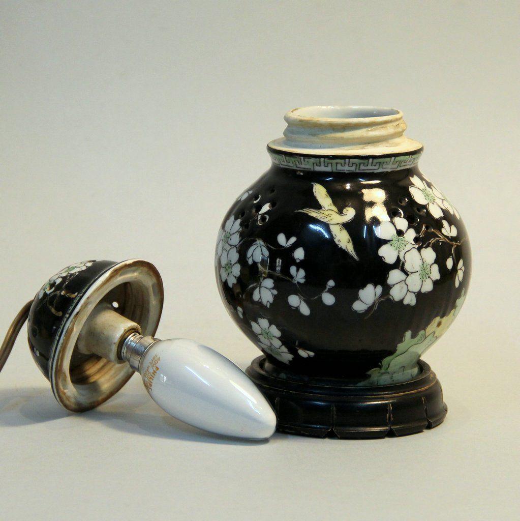 franz sische art deco tischlampe aus prozellan und holz bei pamono kaufen. Black Bedroom Furniture Sets. Home Design Ideas