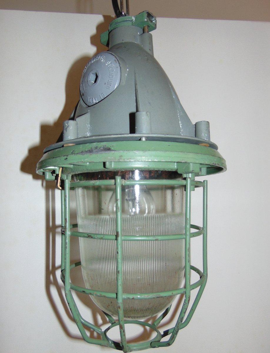 industrie bunker deckenlampe mit schutzgitter aus stahl bei pamono kaufen. Black Bedroom Furniture Sets. Home Design Ideas