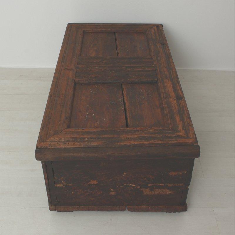 Braune antike kommode 1790er bei pamono kaufen - Braune kommode ...