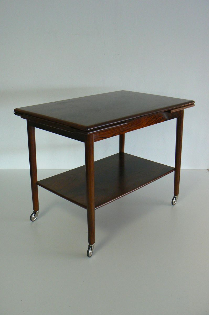 ausziehbarer palisander serviertisch auf rollen von svensborg bei pamono kaufen. Black Bedroom Furniture Sets. Home Design Ideas