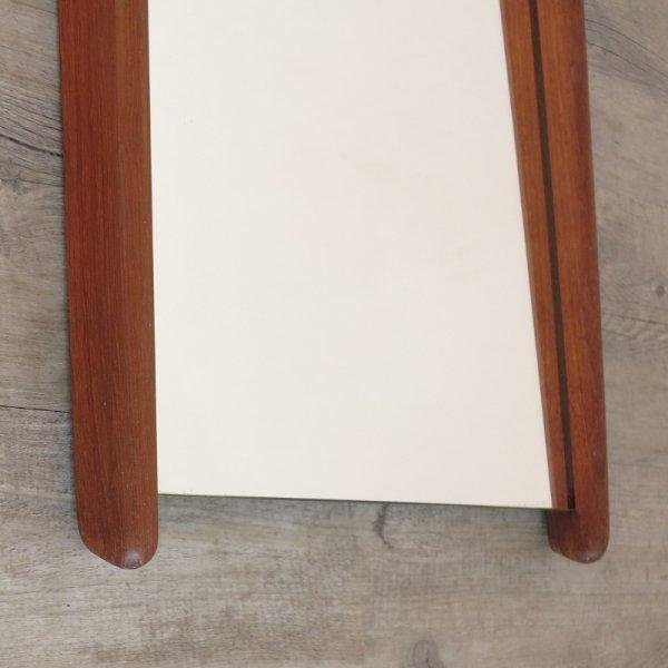 skandinavischer vintage wandspiegel mit teakholz rahmen. Black Bedroom Furniture Sets. Home Design Ideas