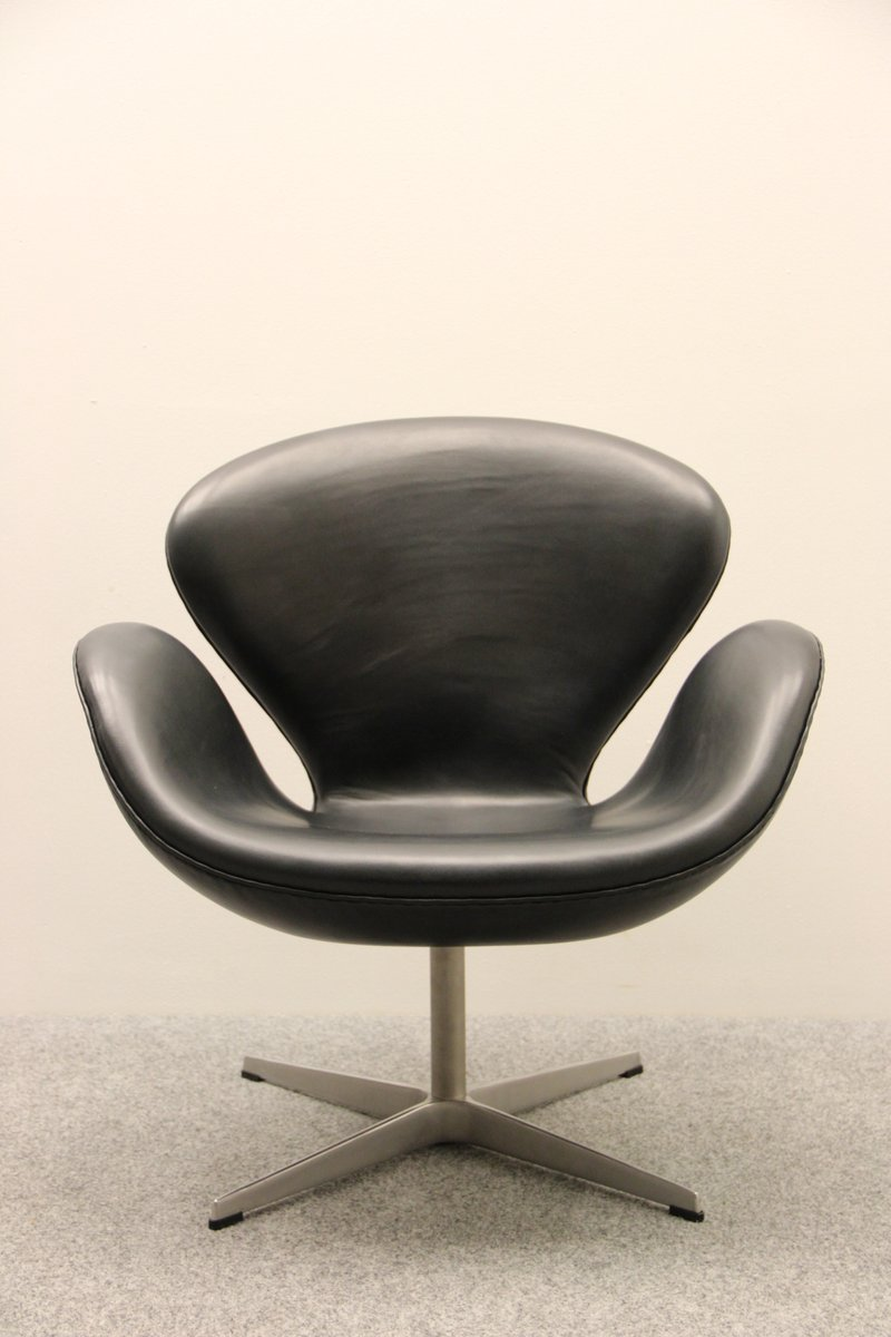 Vintage swan chair by arne jacobsen for fritz hansen for for Swan chair nachbau