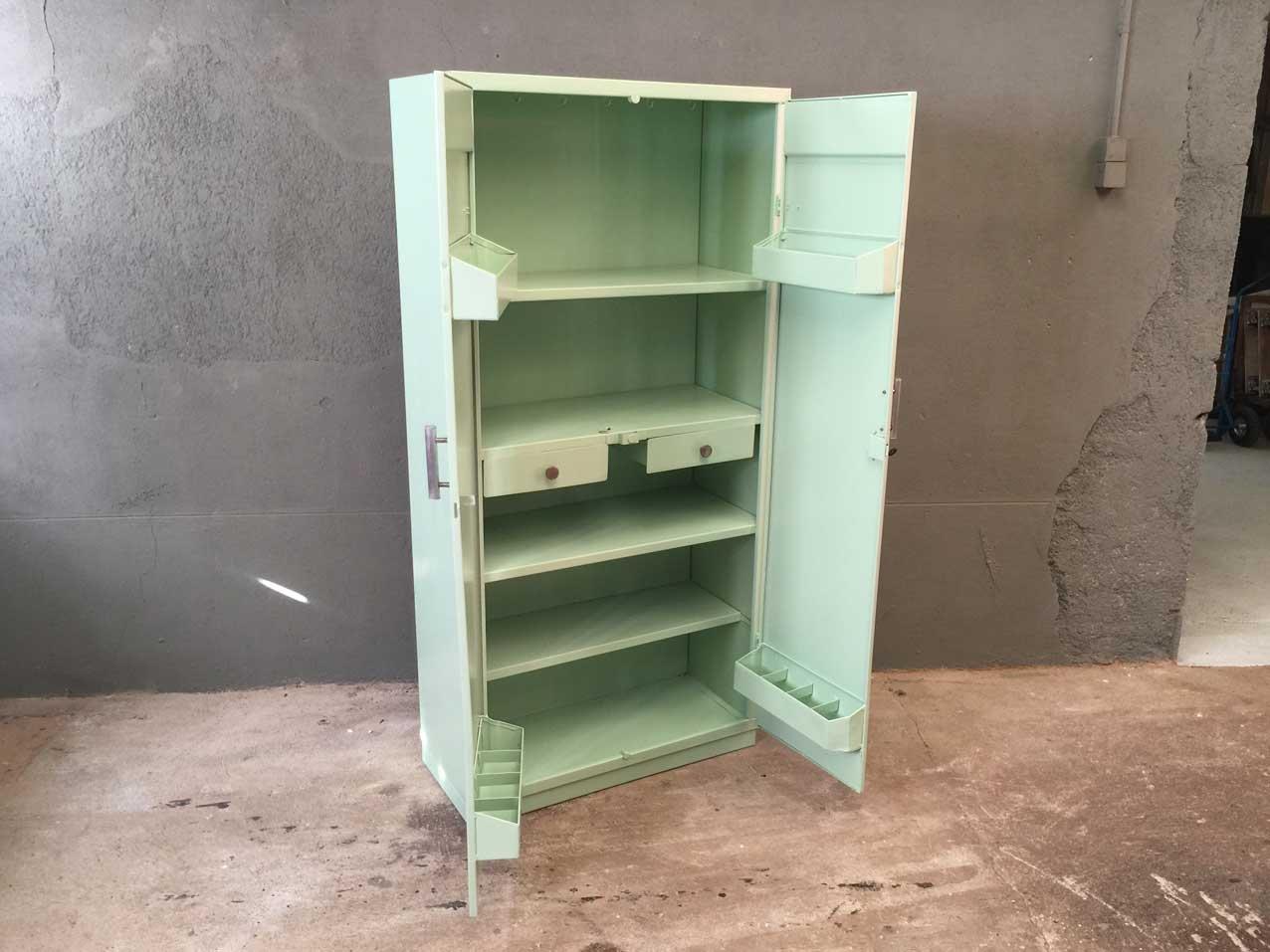Erfreut Retro Küchenschränke Metall Bilder - Küchen Design Ideen ...