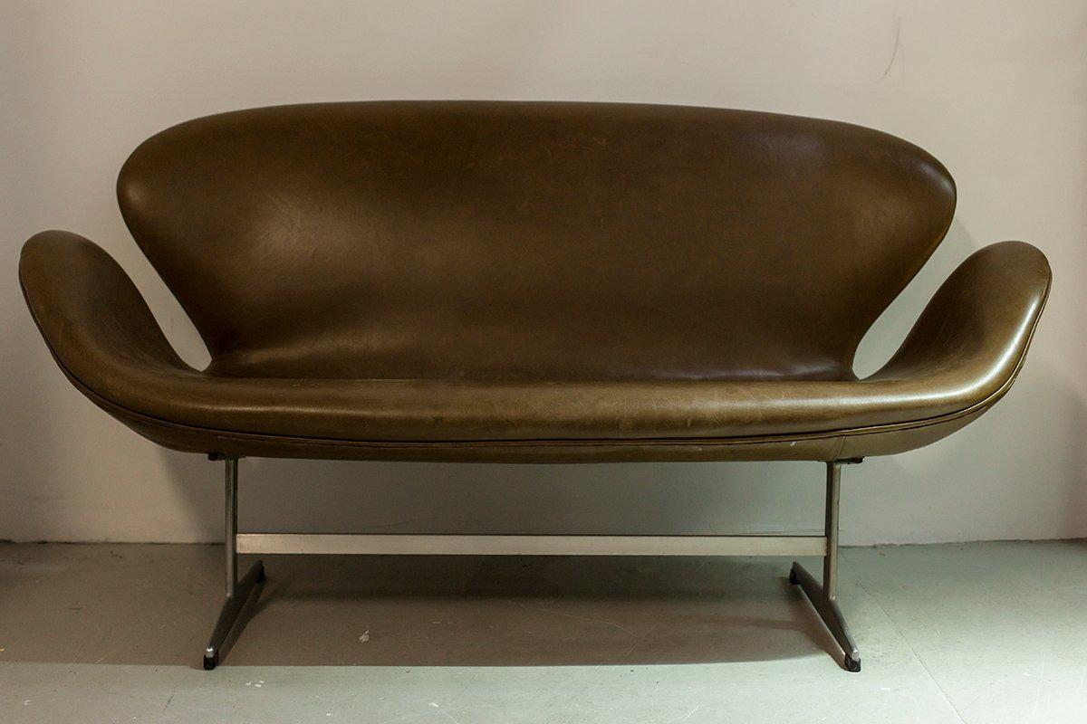 vintage 3321 sofa by arne jacobsen for fritz hansen super patina for sale at pamono. Black Bedroom Furniture Sets. Home Design Ideas