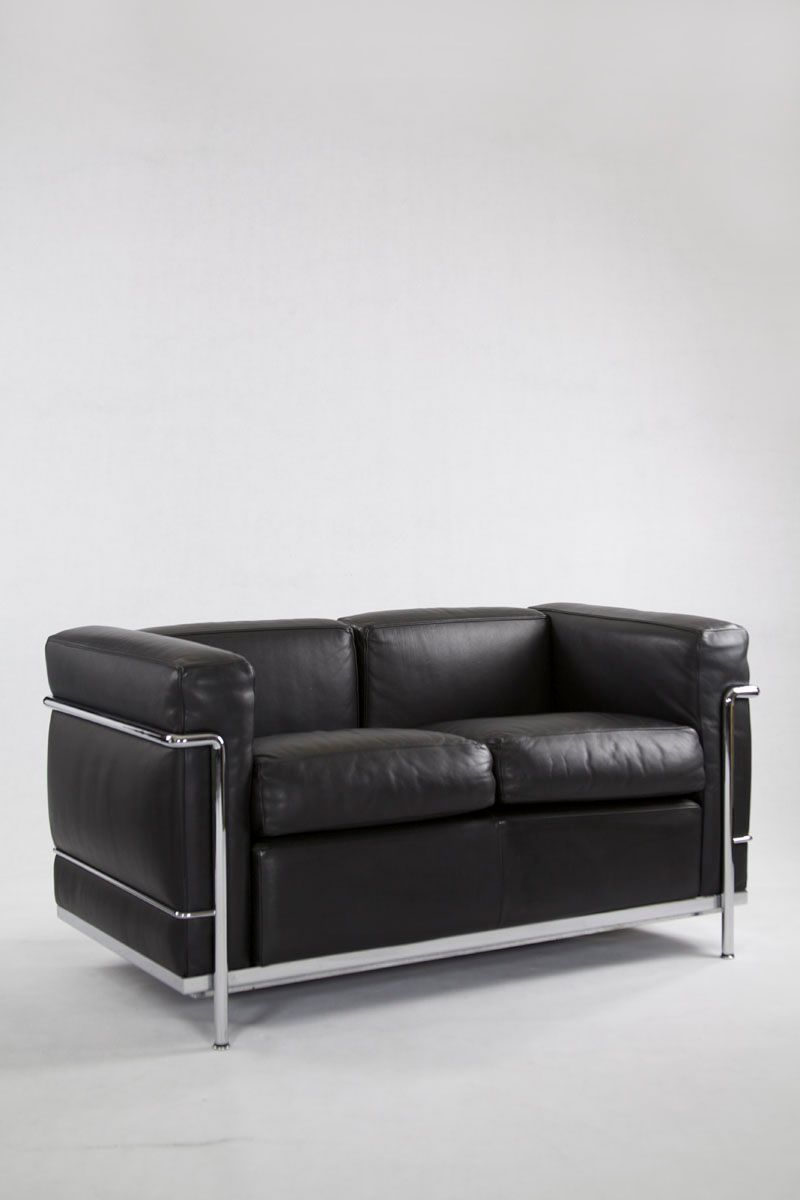 Elegant Vintage IC2 Two Seater Leather Sofa From Cassina