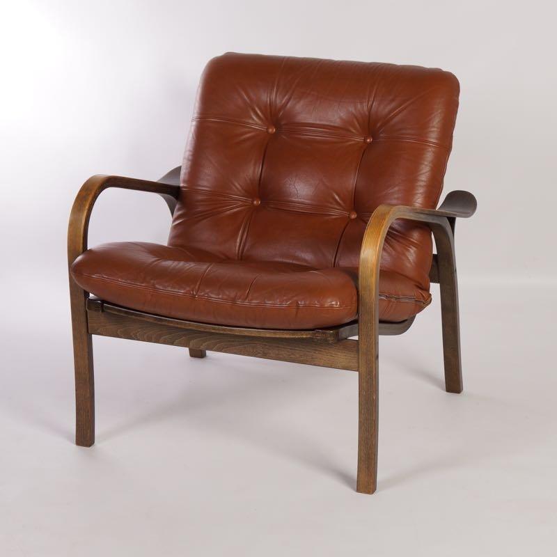 brauner leder armlehnstuhl von yngve ekstr m f r swedese bei pamono kaufen. Black Bedroom Furniture Sets. Home Design Ideas