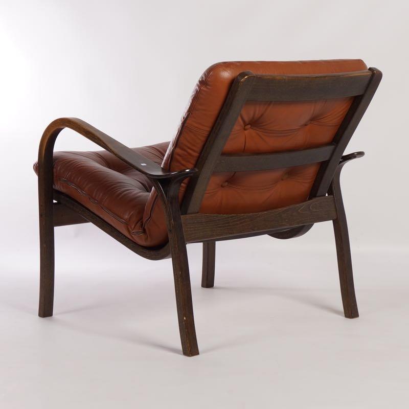 brauner leder armlehnstuhl von yngve ekstr m f r swedese. Black Bedroom Furniture Sets. Home Design Ideas