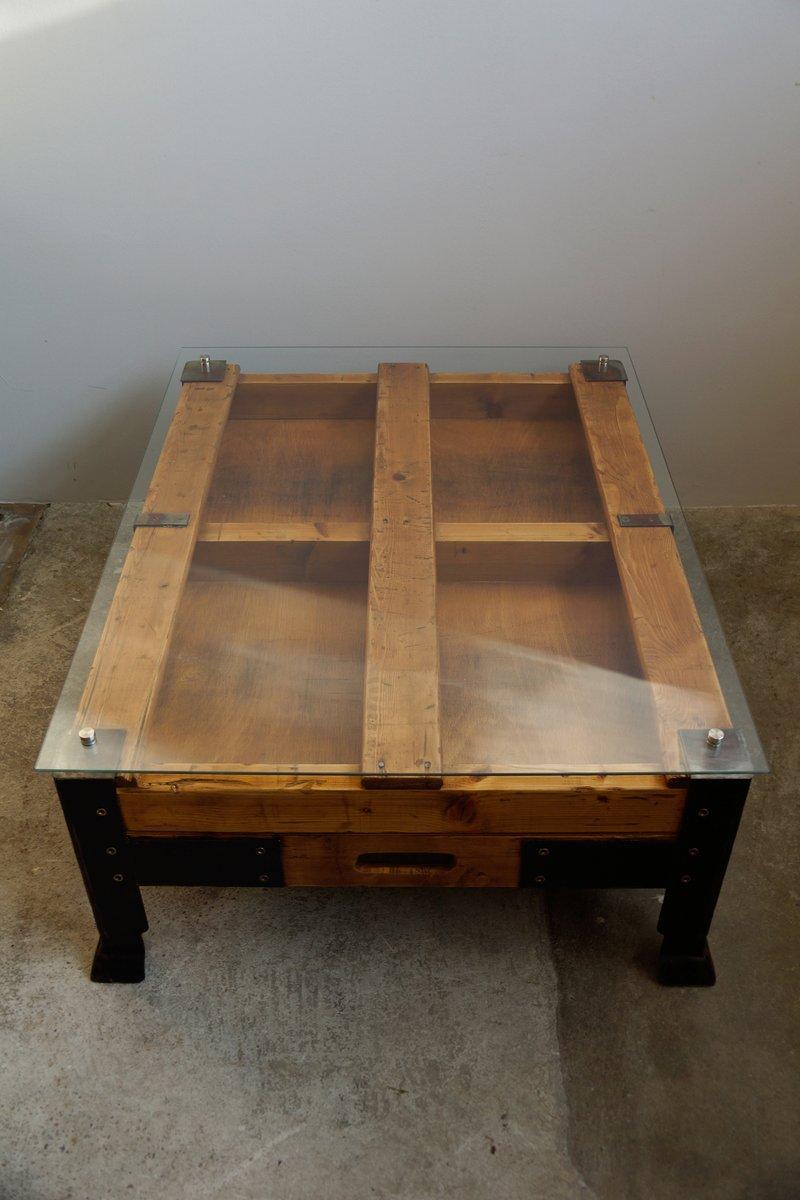 industrieller couchtisch aus holzpaletten mit glasplatte bei pamono kaufen. Black Bedroom Furniture Sets. Home Design Ideas