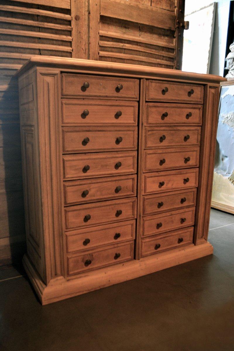 gro e franz sische kommode aus eichenholz mit marmorplatte. Black Bedroom Furniture Sets. Home Design Ideas