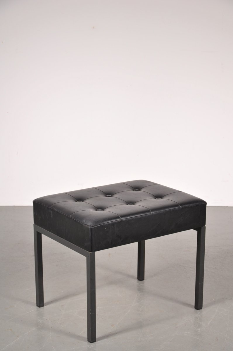 hocker aus schwarzem metall skai 1960er bei pamono kaufen. Black Bedroom Furniture Sets. Home Design Ideas