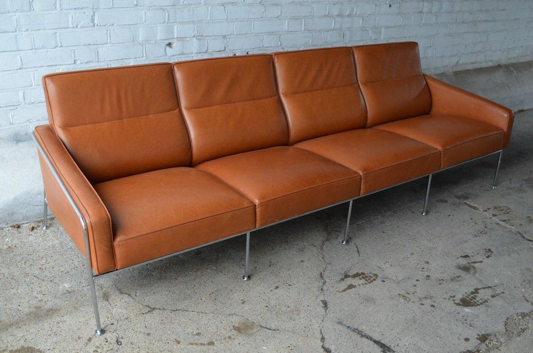 model 3304 lufthavnssofa sofa by arne jacobsen for fritz hansen for sale at pamono. Black Bedroom Furniture Sets. Home Design Ideas