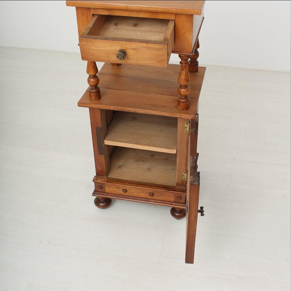 kleiner antiker nachttisch aus kirschholz 1890er bei pamono kaufen. Black Bedroom Furniture Sets. Home Design Ideas