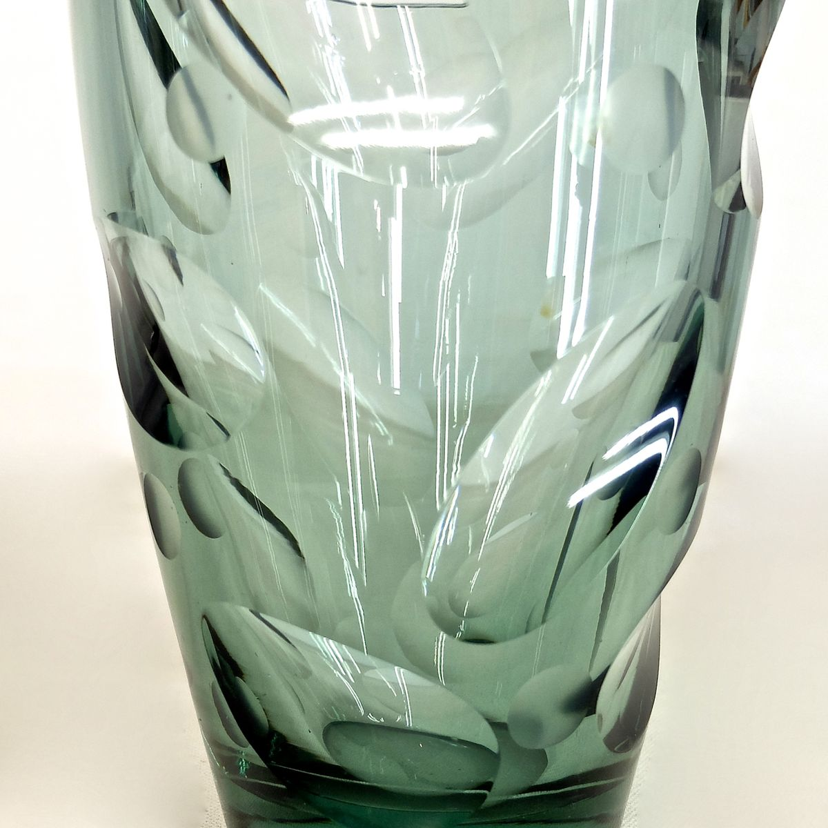 Vintage glass vase by erich jachmann for wmf for sale at pamono price per piece reviewsmspy