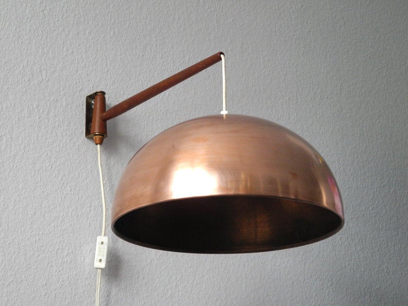 drehbare wandlampe aus teak messing mit lampenschirm aus. Black Bedroom Furniture Sets. Home Design Ideas