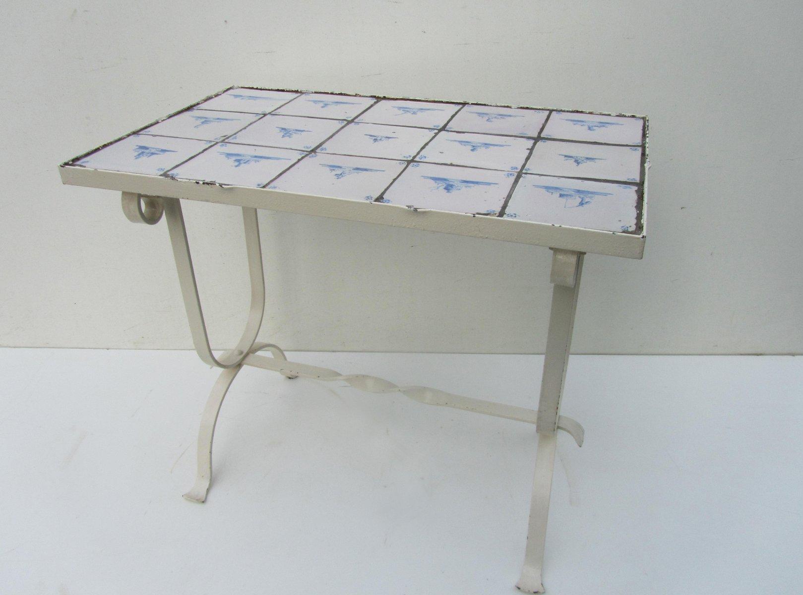 vintage beistelltisch mit antiken niederl ndischen fliesen bei pamono kaufen. Black Bedroom Furniture Sets. Home Design Ideas