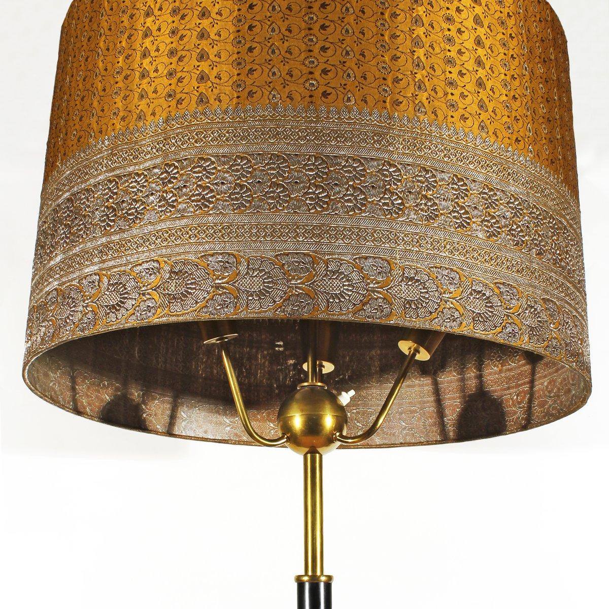 italienische stehlampe mit lampenschirm aus seide 1940er. Black Bedroom Furniture Sets. Home Design Ideas