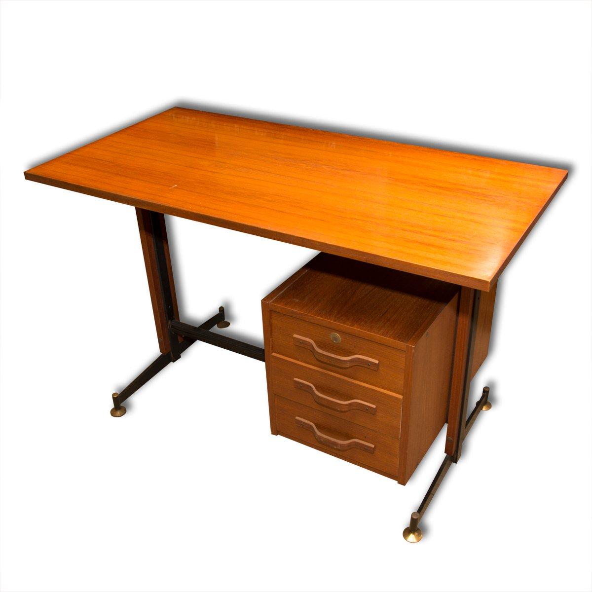 italienischer mid century teak schreibtisch 1950er bei pamono kaufen. Black Bedroom Furniture Sets. Home Design Ideas