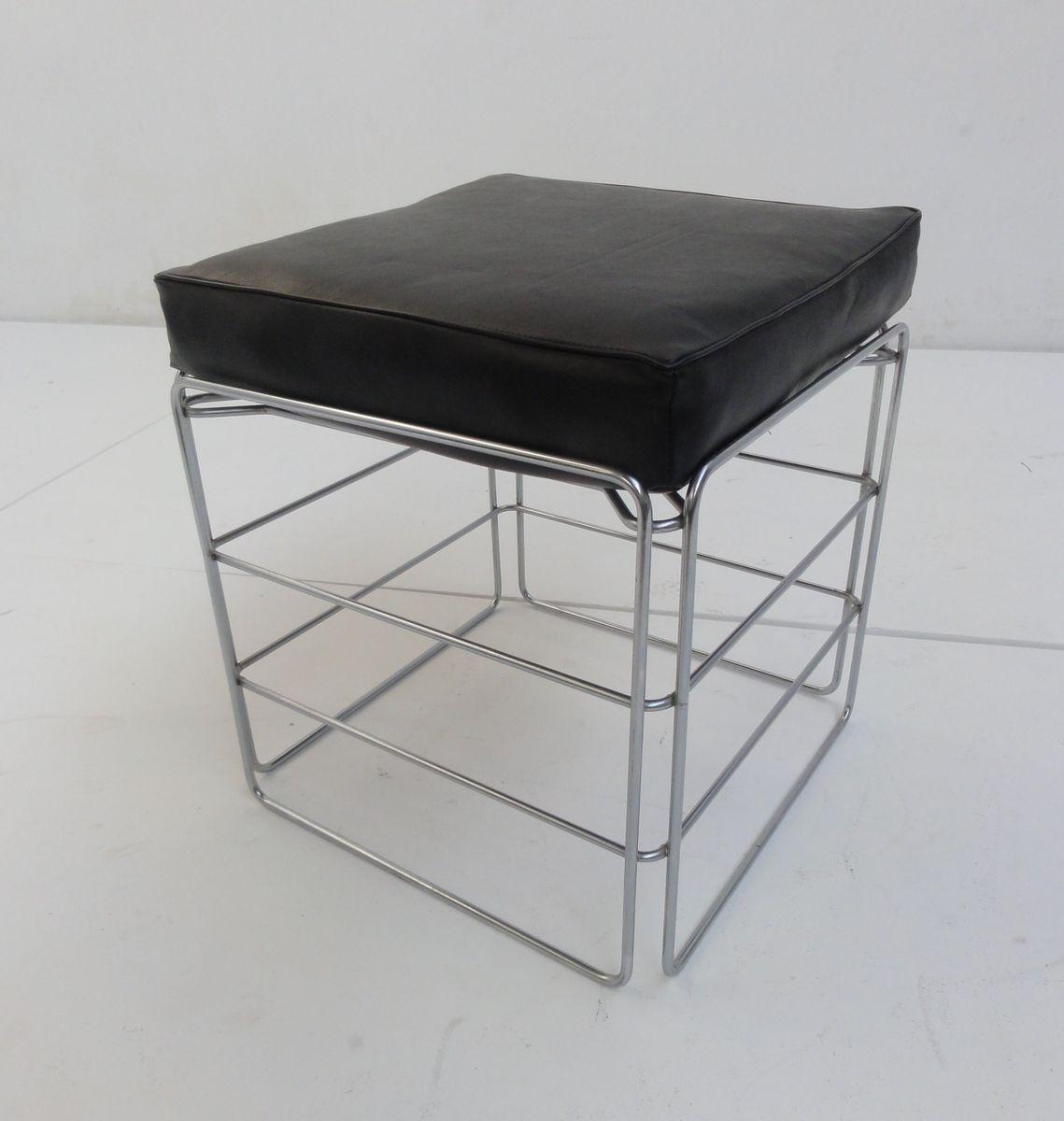 repose pied chrome vintage avec coussin en vente sur pamono. Black Bedroom Furniture Sets. Home Design Ideas