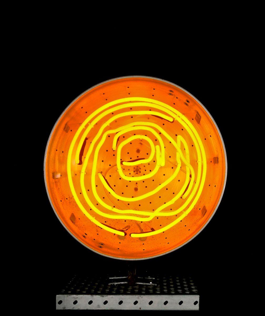 grande lampe de bureau neon prototype par chris bracey pour soho house london en vente sur pamono. Black Bedroom Furniture Sets. Home Design Ideas