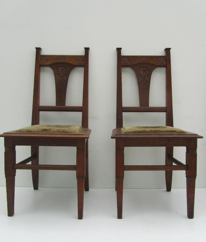 Jugendstil Carved Oak Dining Chairs, circa 1900, Set of 2 - Jugendstil Carved Oak Dining Chairs, Circa 1900, Set Of 2 For Sale