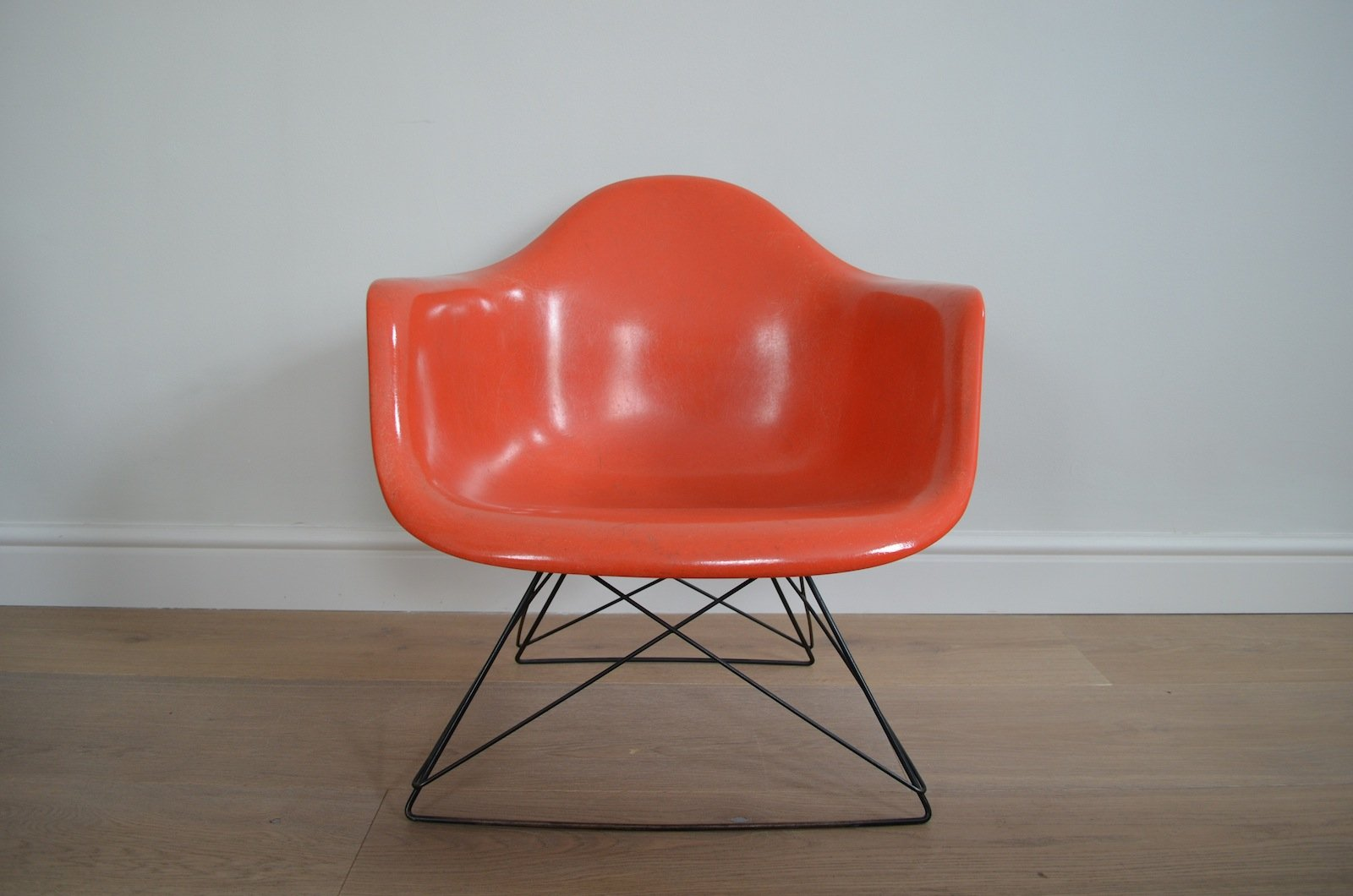 de paire eames es pin charles ray fauteuils and pivotants lobby ann chair