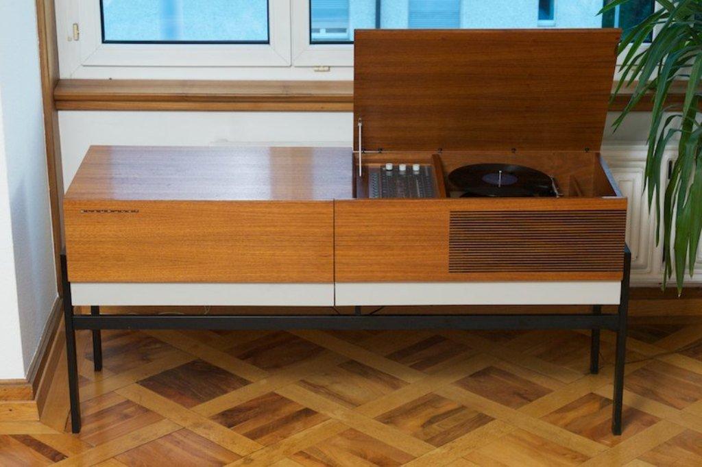 metropolitan schrank f r radio tv lp smartphone von blaupunkt 1968 bei pamono kaufen. Black Bedroom Furniture Sets. Home Design Ideas