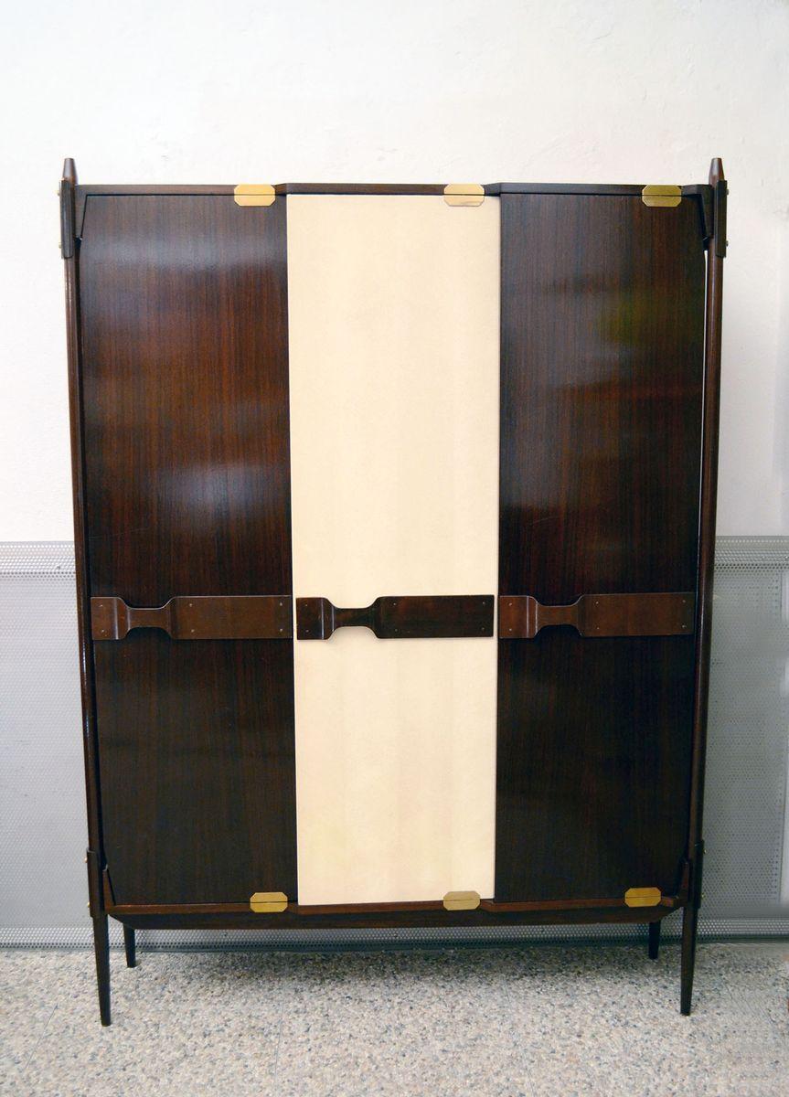 italienischer holz kleiderschrank 1950er bei pamono kaufen. Black Bedroom Furniture Sets. Home Design Ideas