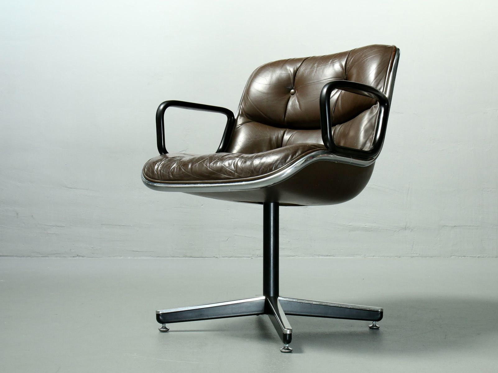 Executive Chair By Charles Pollock For Knoll International, 1960s For Sale  At Pamono