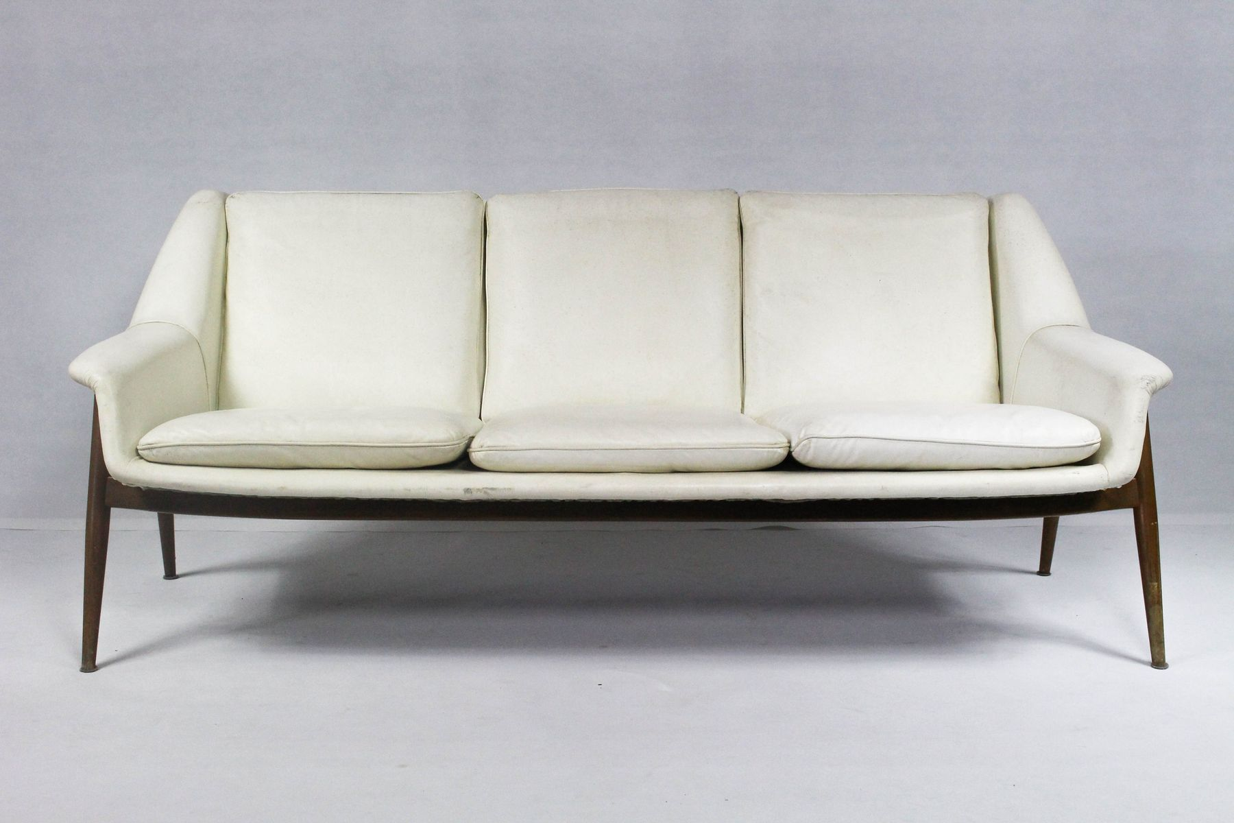 leder sofa von walter knoll f r cassina 1950er bei pamono kaufen. Black Bedroom Furniture Sets. Home Design Ideas